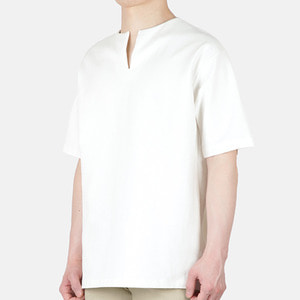 TRMARK PUNTO OPEN V NECK TEE WHITE